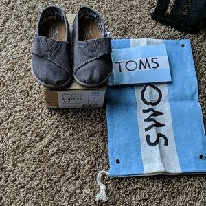 Tiny Toms size 4 toddler